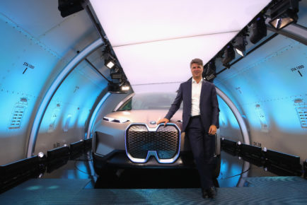 BMW Vision iNEXT  World Flight