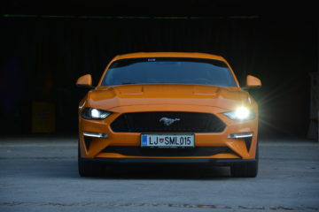 FORD MUSTANG 07