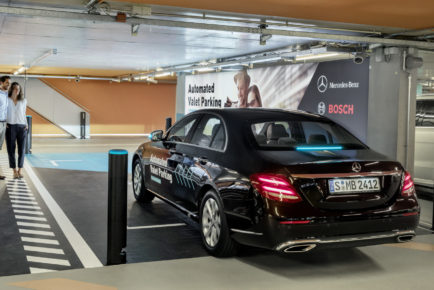 mercedes-benz-and-bosch-automated-valet-parking_100615405_h