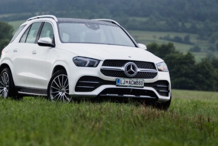 Mercedes-Benz_GLE_300d_4Matic_001