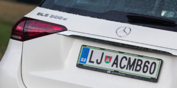 Mercedes-Benz_GLE_300d_4Matic_04
