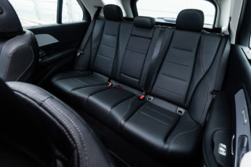 Mercedes-Benz_GLE_300d_4Matic_25