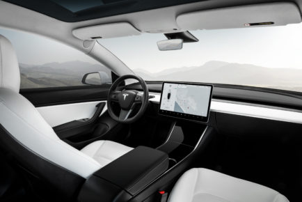 Tesla_Model 3-Performance-White Interior