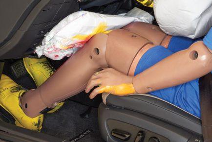 IIH-Lexus-knee-airbag