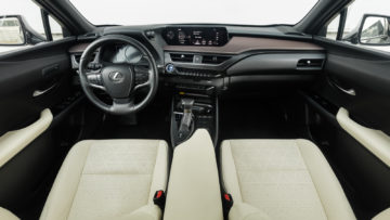 Lexus_UX_250h_Luxury_23