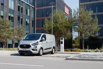 ford-transit-phev-01