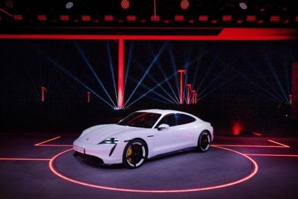 Porsche_Taycan_12