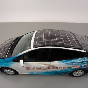 toyota-prius-phv-demo-car-with-solar-panels_6