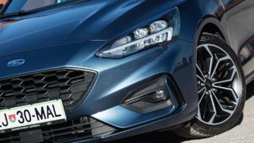 Ford_Focus_Karavan_15_Ecoboost_ST_Line_05