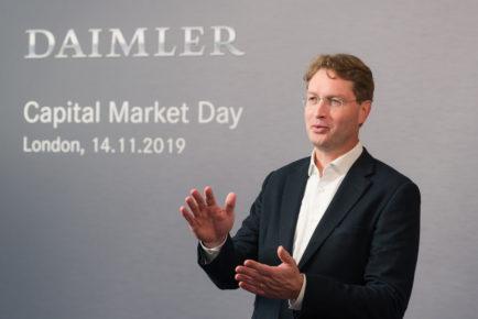 Daimler senkt Kosten und stellt Weichen für die ZukunftDaimler cuts costs and sets course for the future