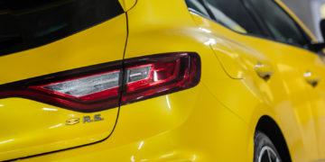 Renault_Megane_RS_300_Trophy_04