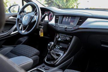 Opel Astra 2019 (10)