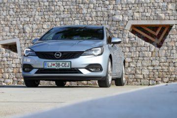 Opel Astra 2019 (2)