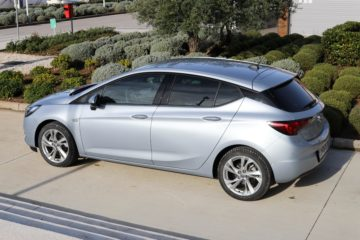 Opel Astra 2019 (4)