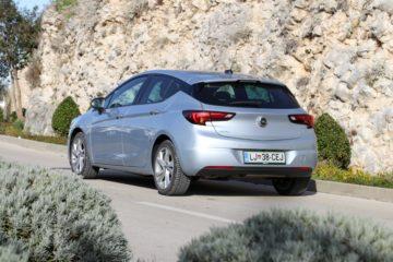 Opel Astra 2019 (6)