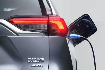 2020-Toyota-RAV4-Plug-In-Hybrid-Euro-spec-9