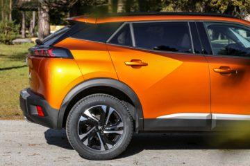 Peugeot 2008 2020 (6)