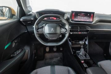 Peugeot_208_12_Puretech_100_11