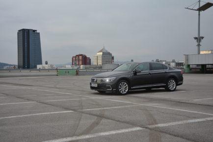 VW PASSAT GTE 01