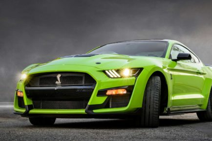 Ford-Mustang-Shelby-GT500-2