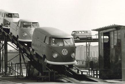 VW_Transporter_9_T1