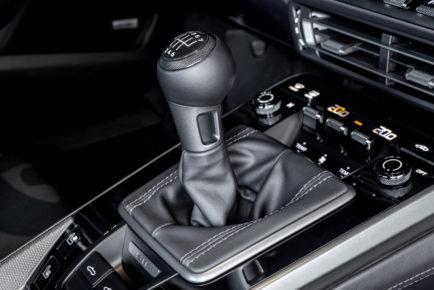 2021-Porsche-911-4
