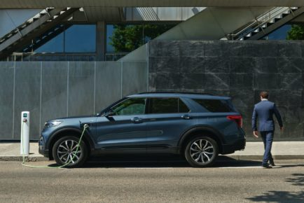2020-Ford-Explorer-Plug-In-Hybrid-ST-Line-European-spec-16