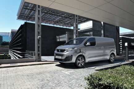Peugeot_e_expert_14
