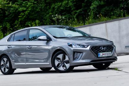 Hyundai_Ioniq_Hybrid_Premium_001