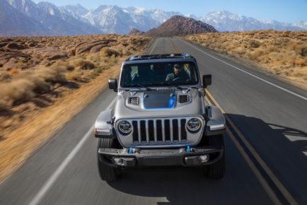 2021-jeep-wrangler-4xe-phev-11