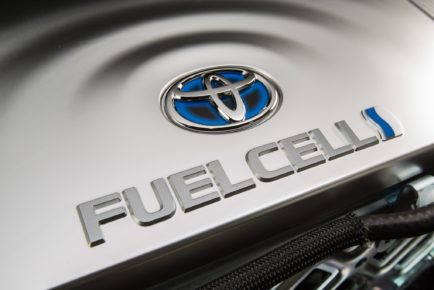 toyota-fuel-cell-vehicle-016-2