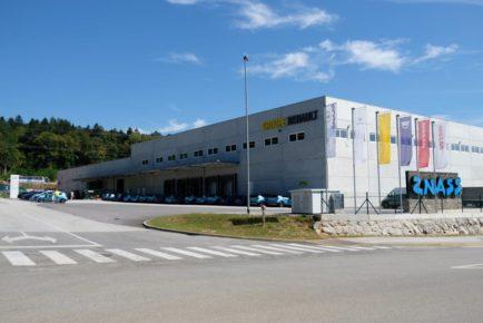 Renault Nissan centralno skladišče nadomestnih delov (12)