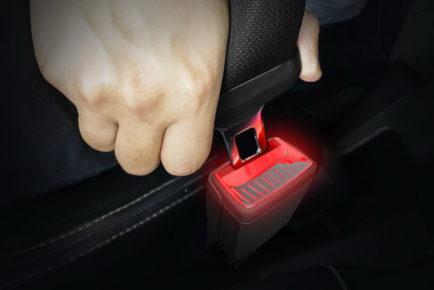 skoda-illuminated-seatbelt-buckles-1