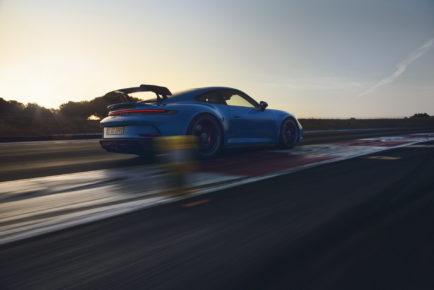 2022-Porsche-911-GT3-06