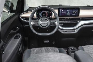 Fiat_500e_Cabrio Icon_18