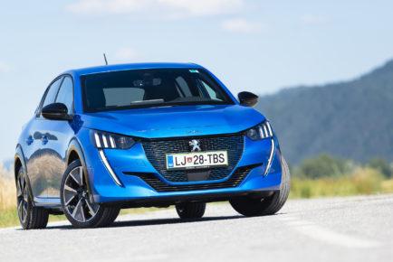 Peugeot_e208_GT_001